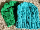 Yarn along: Hats & Cowls